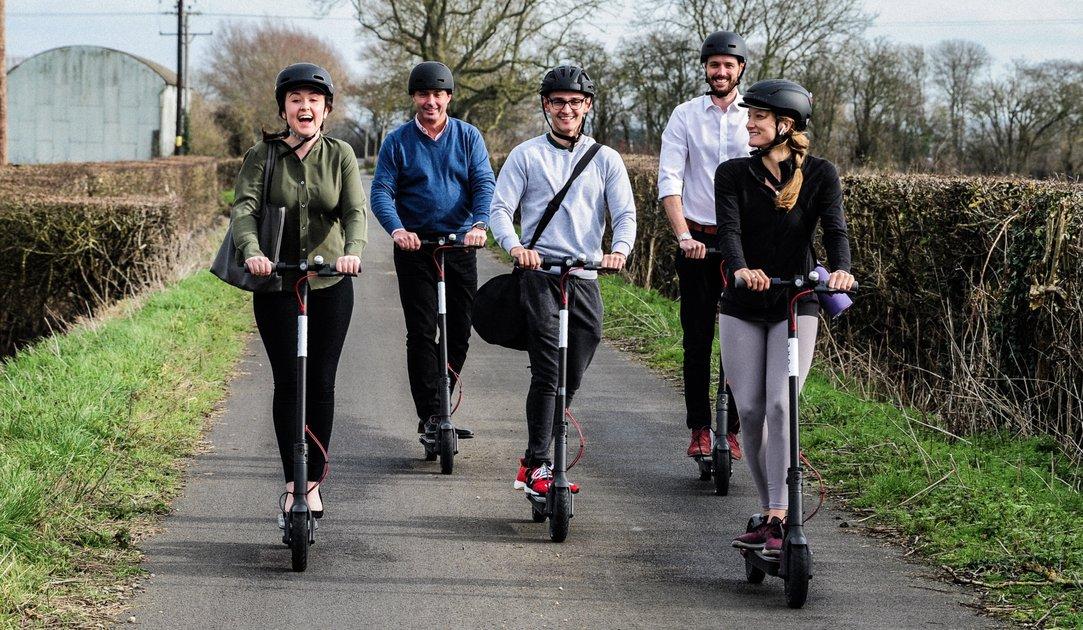Cinq bonnes raisons pour lesquelles nous devrions tous utiliser des scooters électriques - Pure Scooters