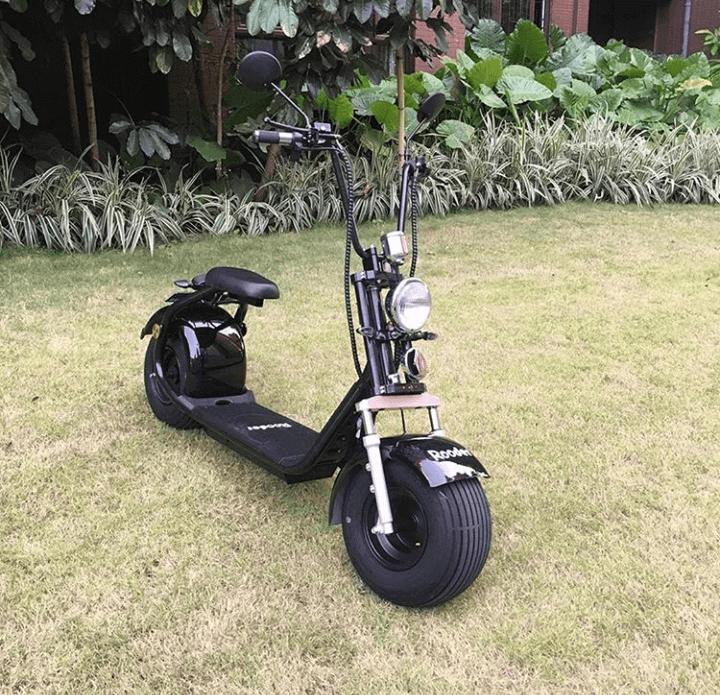 Le gros scooter électrique pour pneumatiques