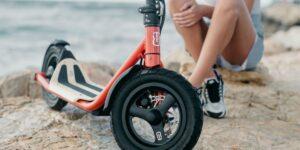 2021 Lancement des scooters électriques 8TEV B12 Classic et B12 Roam au Royaume-Uni - pré-  [2021]