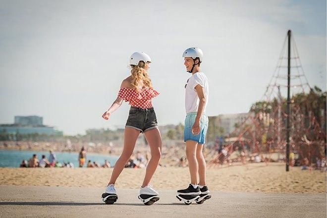Les Hovershovers Drift W1 e-Skates de Segway mettent les roues du robot sur vos pieds